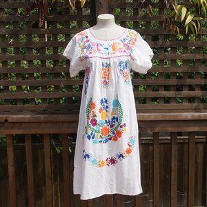 VINTAGE White Oaxacan Embroidered MuuMuu Dress S/M